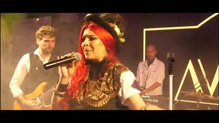 Ligia & Band - Un Trandafir creste la firida meaPauvre diableDynata