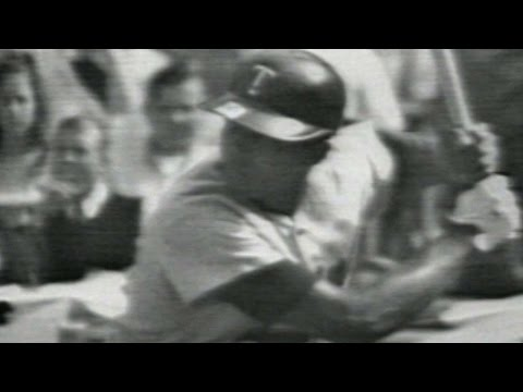 1965 WS Gm4: Tony Oliva homers off of Don Drysdale