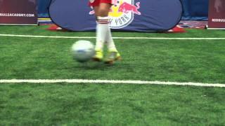 Dribbling - Swivel Hips Part 2 [New York Red Bulls Academy]