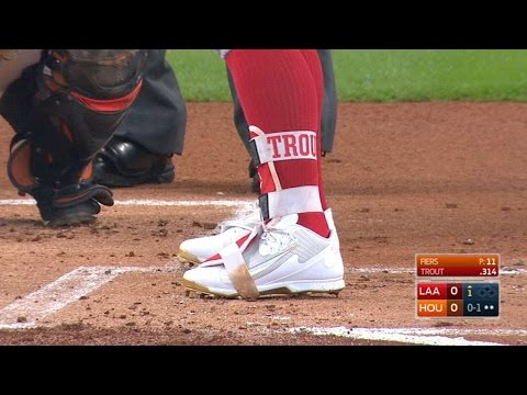Trout doubles wearing Griffey Jr.'s shoes