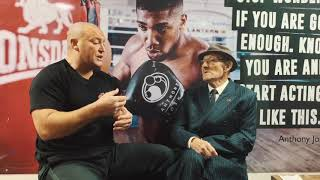 Venture Boxing tells the story of Johnny Campbell