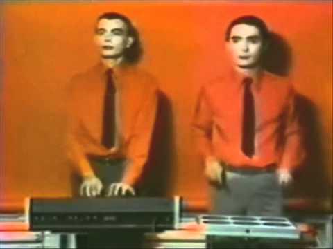 Kraftwerk - Echo