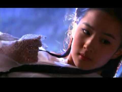 Cận cảnh gương mặt xinh đẹp của Tiểu Long Nữ - Lưu Diệc Phi