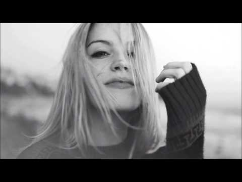 Kate Bush - Running Up That Hill (Louis La Roche Remix) | HD