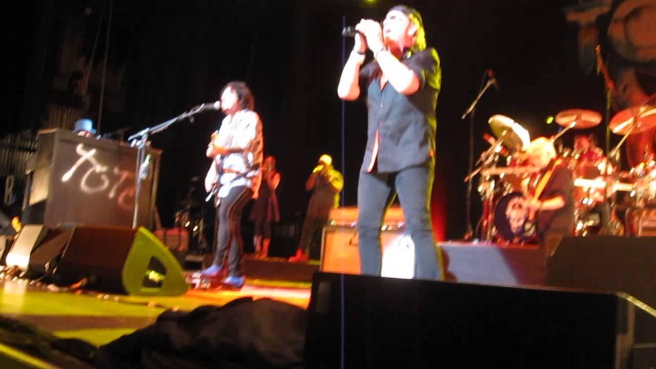 Toto- Africa-Atlanta, GA 8-22-14 - YouTube