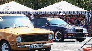 Копейка на двух карбюраторах против 800-сильной BMW