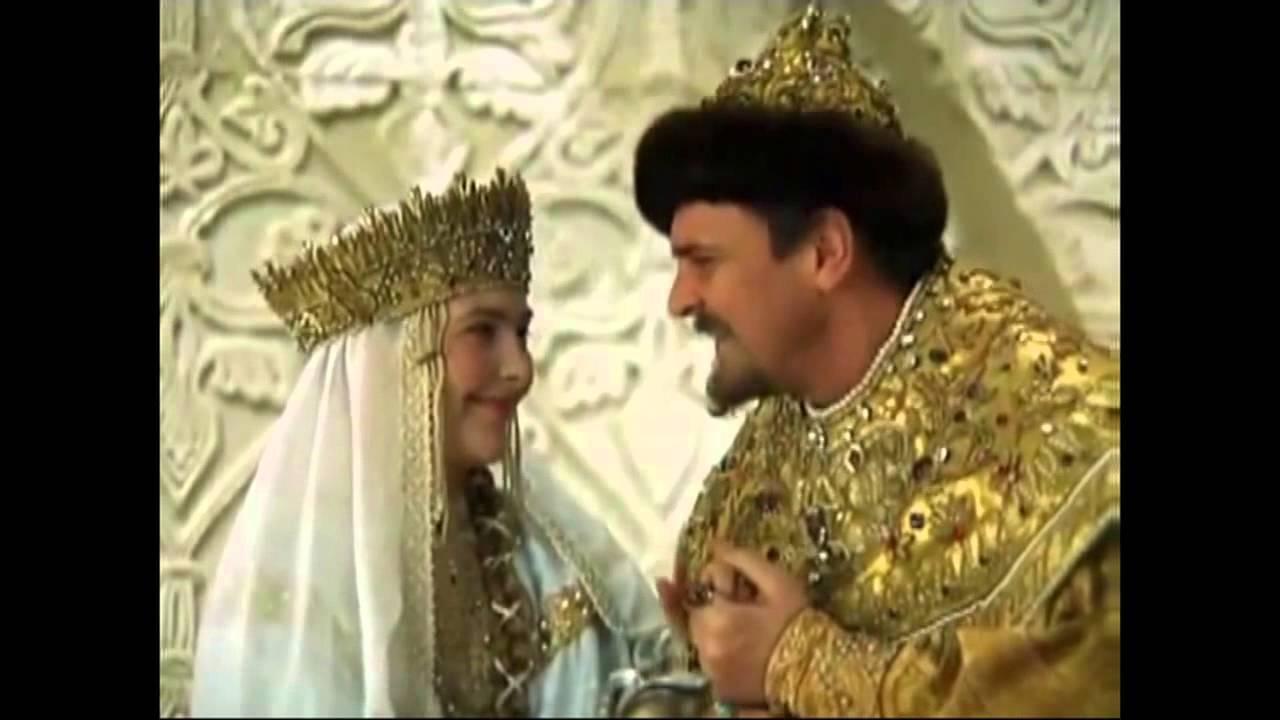 Отрывки с песнями из советских кинофильмах