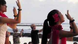 Sunset Hula at Waikiki Beach in Honolulu, Hawai