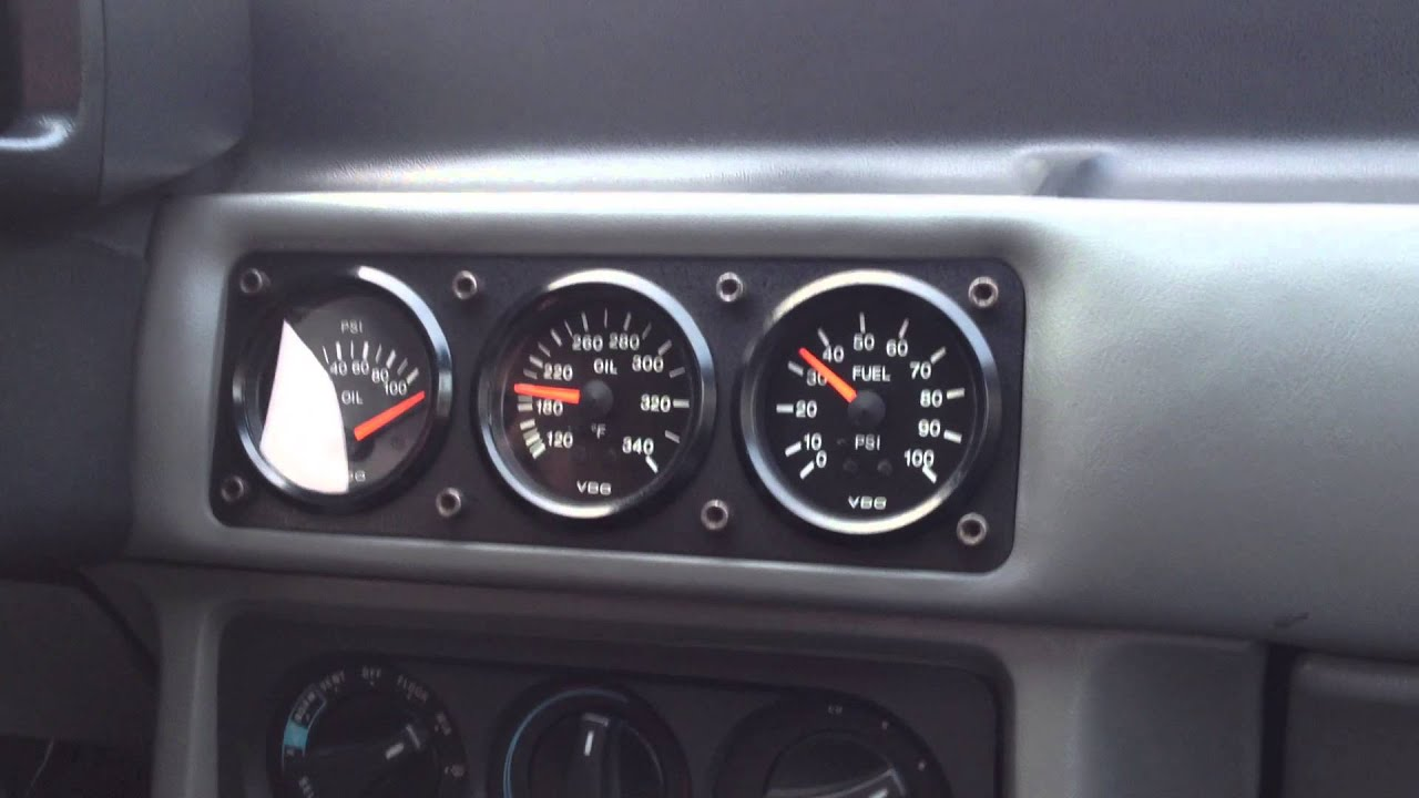 87 Ford Mustang GT Convertible - Oil Pressure Gauge - YouTube