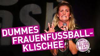 Rachel Rinast – Was beim Frauenfußball wirklich in der Kabine abgeht