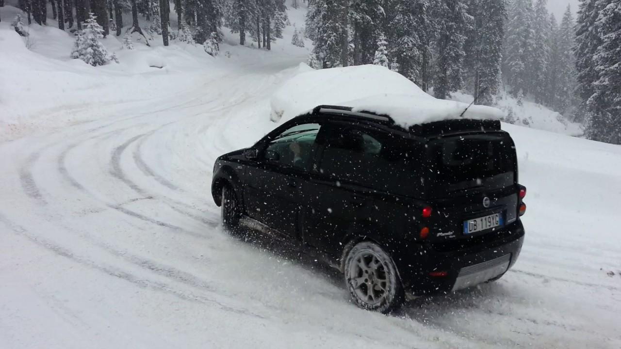 Fiat panda 4x4 monster snow drift youtube for Panda 4x4 youtube