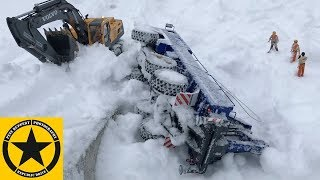 BRUDER Trucks for CHILDREN Snow Desaster DOZER CRASH long play