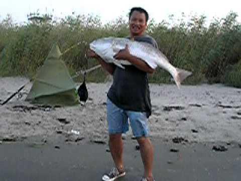 Cau ca Hong o bien Galveston 01/09/2011( fishing in galveston 2011)