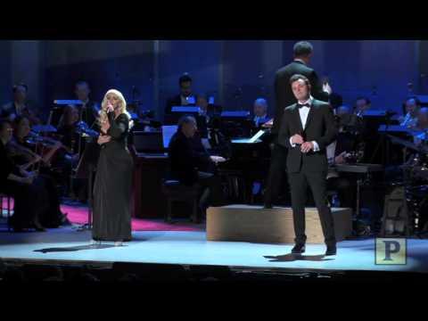 Christina Aguilera & Seth MacFarlane - New York, New York (Sinatra: Voice for a Century 3-Dic-15)