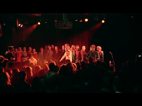 Dreamers' Circus & guests - 'Rooster's Show Off / Love Me Do' - Live