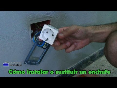 C mo instalar o sustituir un enchufe youtube for Como instalar una terma electrica