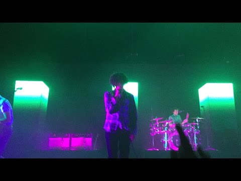 The 1975 - Anobrain & Menswear (Live in Vancouver)