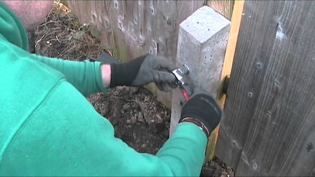 Broken Garden Fence Post Repair Using A Concrete Spur Update - YouTube