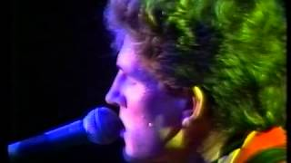 """Enz live ""How can I resist her"" 1980"