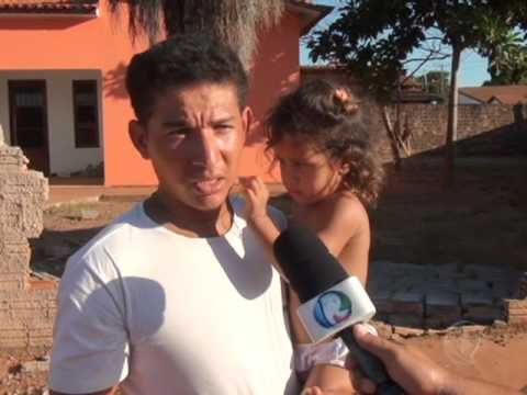 Carro atropela duas crianças a caminha da escola em Confresa