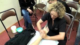 Антицеллюлитный испанский массаж на косметике MAYSTAR