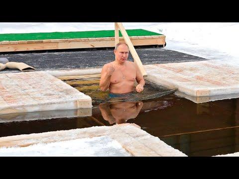 Владимир Путин принял участие в крещенских купаниях