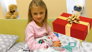 Подарки на День Святого Николая Что нашла Ярослава под подушкой?