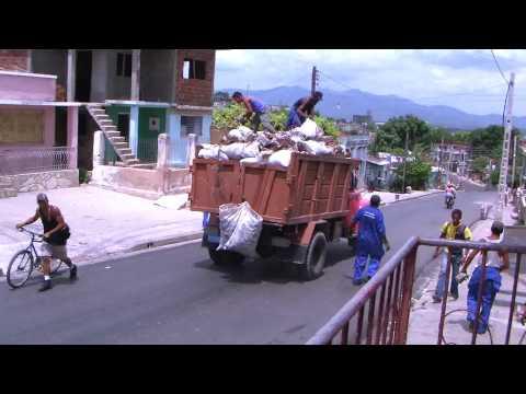 Cuba trash collectors