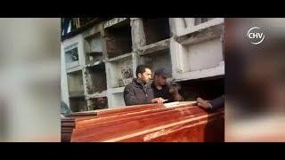 Hombre denunció que ataúd de su esposa no cabía en nicho de cementerio - CHV Noticias