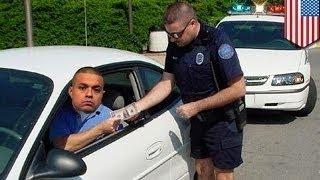 Пьяный водитель трижды пытался подкупить полицейских, но безуспешно!(Если вам хватило ума садиться за руль в нетрезвом виде, засыпать за рулём -- плохая идея. И ещё хуже -- пытатьс..., 2014-03-01T14:25:10.000Z)