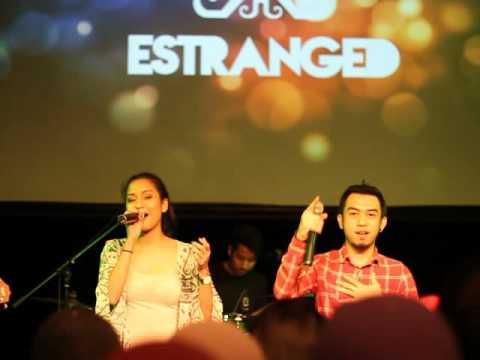 Estranged Band ft Tasha - Hancur Aku - Live at Take Me Out Charity Event