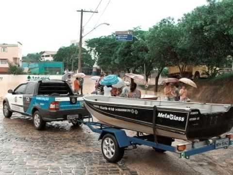 Rio Bananal sofre com enchente