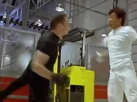 Jackie Chan (Thành Long) biểu diễn võ thuật @ .flv