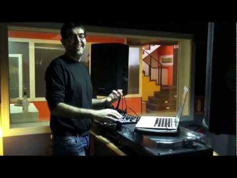 """Dr. Kucho! entrevistado por DJ Tango durante su sesión en """"La Isla"""" (Loca FM) 20.04.12"""