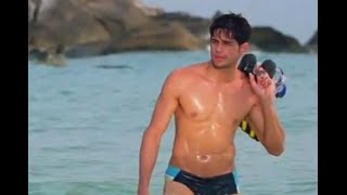 Sidharth Malhotra Talks About His First Ever Nude Photoshoot! | Bollywood Inside Out