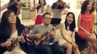 Kolaborasi Lagu Natal Yg Keren Abizzz