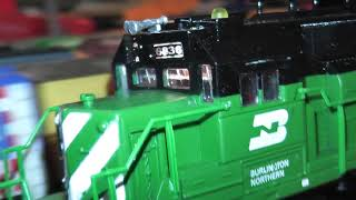 ho diesel engine mint in box burlington northern sd40-2 bn video runs bachmann