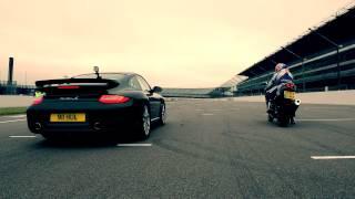Drag race: Porsche 911 Turbo S vs Suzuki GSX-R1000 John Reynolds