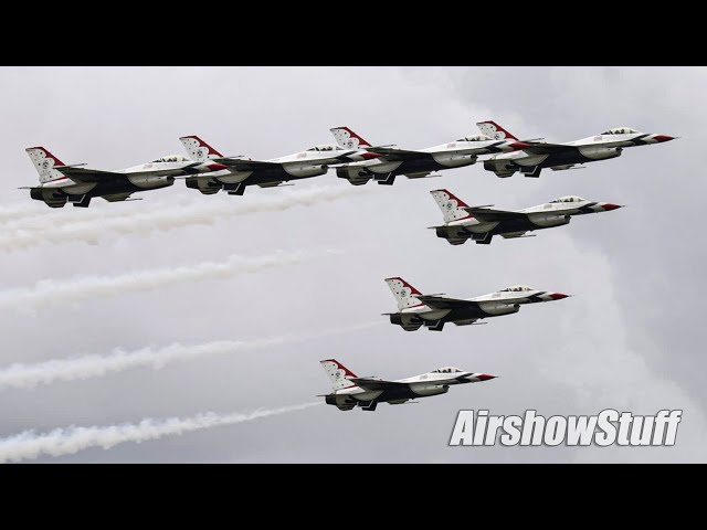 USAF Thunderbirds Buzz The Blue Angels With Special Seven-Ship Formation! Sun 'n Fun 2021