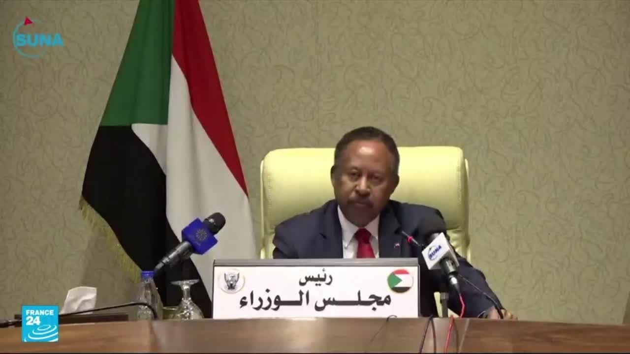 اعتقال رئيس الوزراء حمدوك ونقله إلى مكان مجهول بحسب وزارة الإعلام السودانية  - 16:55-2021 / 10 / 25