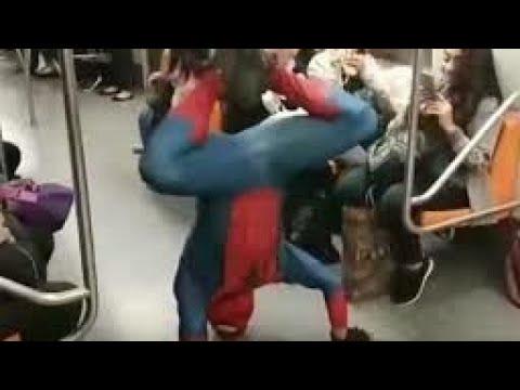 El Hombre Araña Bailnado Scooby Doo Papa Spider-Man en el metro