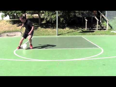 Soccer Drills – HUMILIATE opponents with Fast Footwork – How To Dribble Like Messi