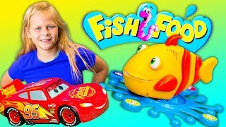 FISH FOOD GAME Lightning McQueen Plays Puppy Dog Pals with PJ Masks and Paw Patrol Toys