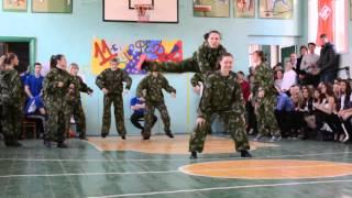Танец девушек 'А ну-ка,парни!'(Агутин) 11 класс