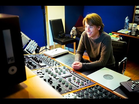 Mastering engineer Peter Hewitt-Dutton talks with Mike Exeter