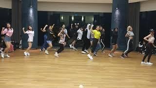 KPOP Dance Off Vol 103: TWICE - Likey