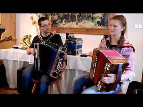 Gotthardt und Judith beim Ziehharmonikatreffen in Weißenbach