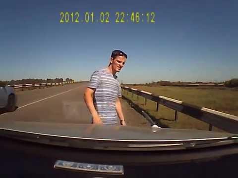 ドライブレコーダーがとらえた衝撃恐怖映像。