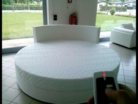 Queen Girevole Motorizzato Con Telecomando   Round Bed Rotating   YouTube