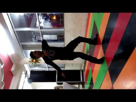Aa Gaya Aagaya Dil Churane Mai Aagaya Robot Dance Video